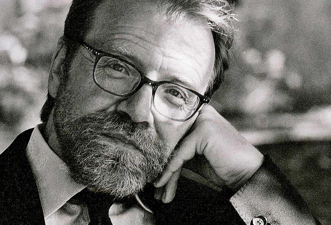 Den amerikanske författaren George Saunders nya bok, som kanske är en roman, utspelar sig på en kyrkogård.