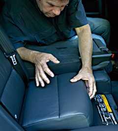 Volvo XC70 kan, precis som nya V70, fås med integrerade barnstolar som kan ställas i olika höjder. Utrymmet för baksätespassagerarna är bara marginellt mindre än i Allroad.