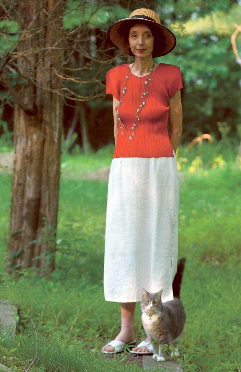 """Joyce Carol Oates tycker att det finns fördelar med att bli äldre: """"Jag låter mig inte nedslås lika lätt. Jag vet nu att de första sex veckornas arbete är svåra och ofta deprimerande. Men också att det sedan blir det mycket mer tillfredsställande, och jag blir allt mer upprymd""""."""