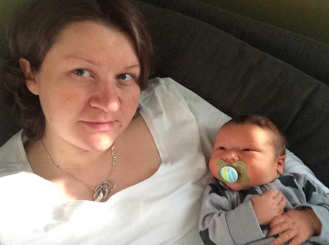 Helena mådde dåligt under första tiden med sin nyfödde son.