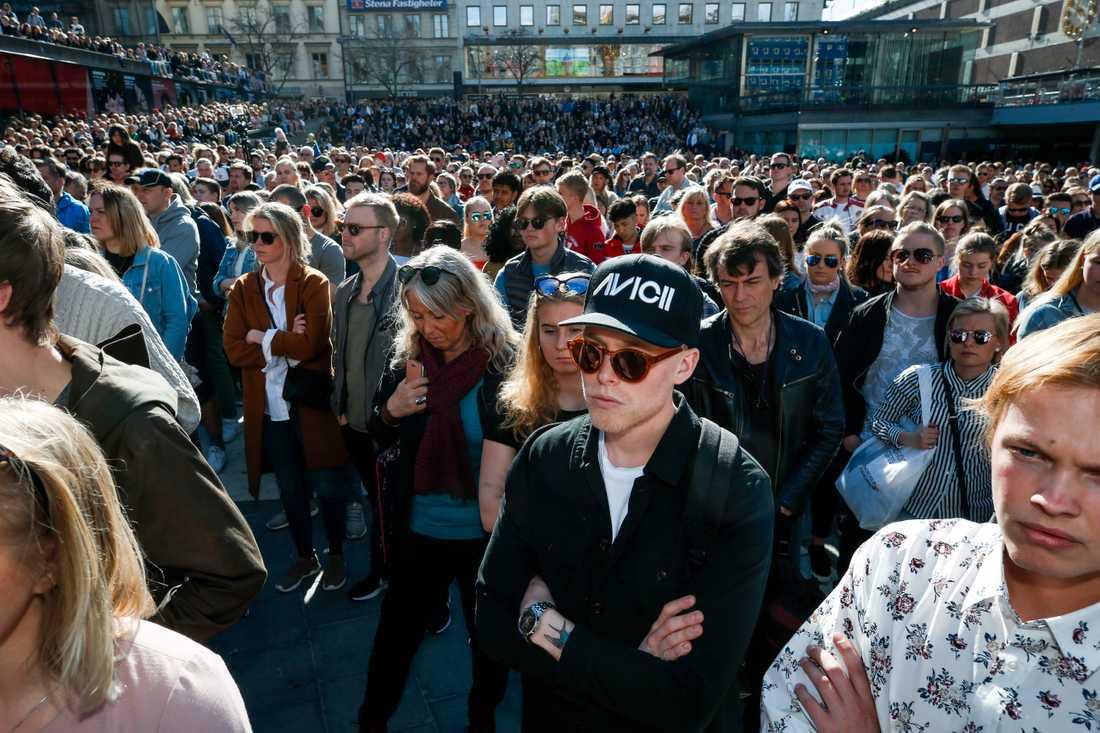 """Tim """"Avicii"""" Berglings död sörjs i en hel värld. Förra helgen hölls en ceremoni till artistens minne i hans hemstad Stockholm. Arkivbild."""