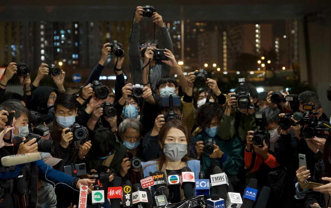 Clarisse Yeung, en av fängslade aktivister i Hongkong, har släppts fri mot borgen.