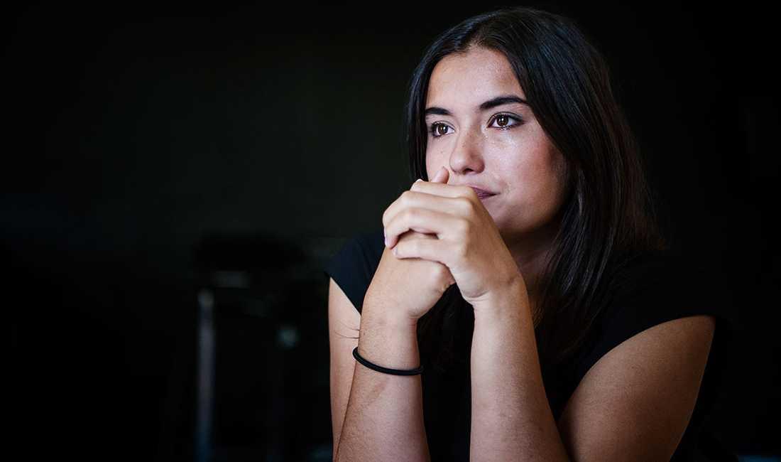 Sara, 18, hotas med utvisning trots att hon är rädd för att bli dödad om hon återvänder till Afghanistan.