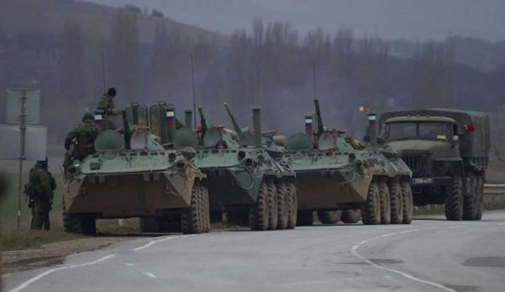 Ryska pansarfordon på Krim.