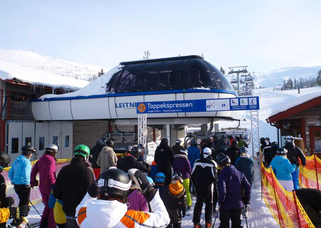 Familjen har åkt skidor i Trysil, Norge.