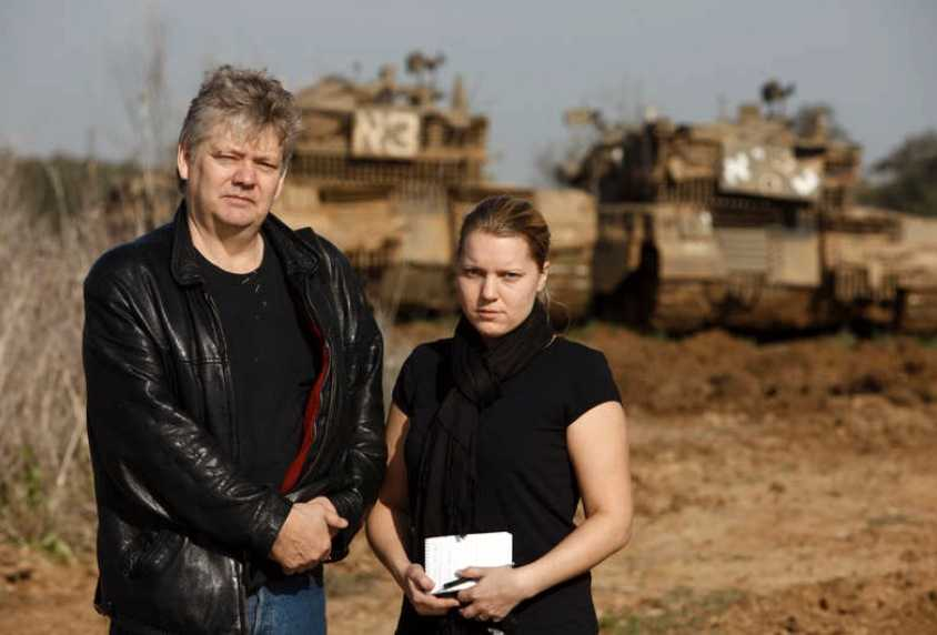 Aftonbladets Carina Bergfeldt och Urban Andersson är på plats och bevakar Gazakonflikten.