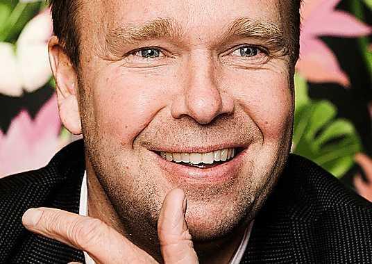 Lasse Kronér, 49, sångare: –Jag hade nog fått göra som Bengt Sändh och börja göra eget snus då. Eller själv gå ur EU.