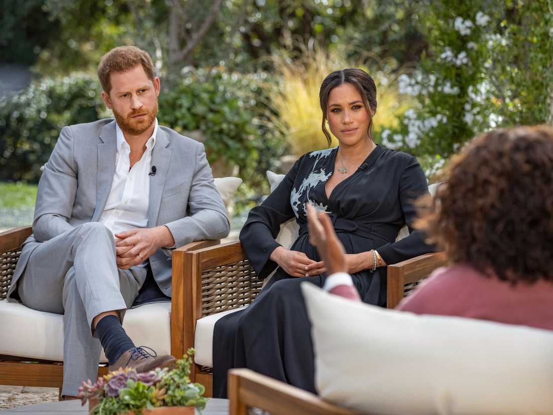 Harry och Meghan i samtal med Oprah Winfrey.
