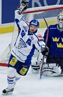 Janne Pesonens lönekrav fick Färjestad att tacka nej.