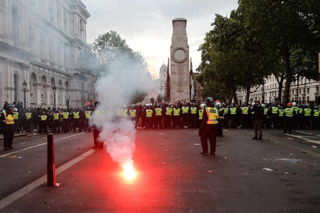 Protesterna i London blev stökiga fram mot kvällen.