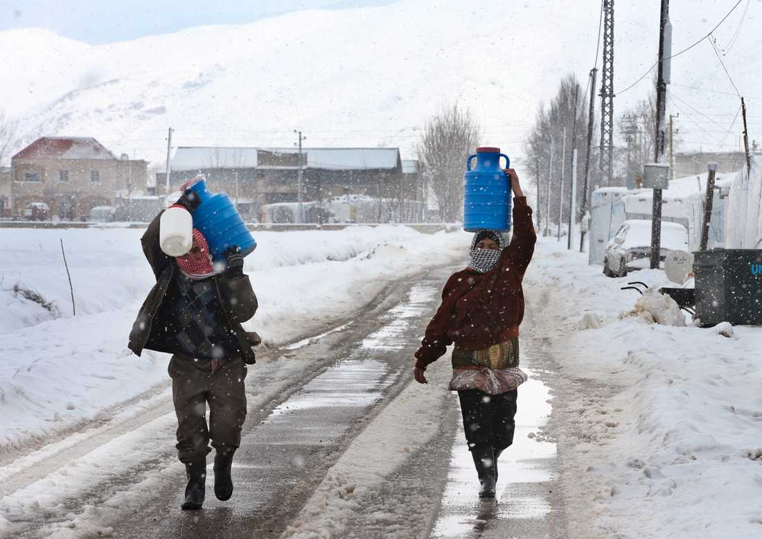 För tältflyktingarna blir situationen allt mer desperat.