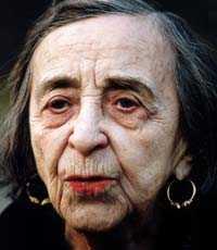 """Mimi Pollak fotograferad 1993, sex år innan hon dog. I nya boken """"Djävla älskade unge"""" publiceras kärleksbreven hon fick av Garbo."""