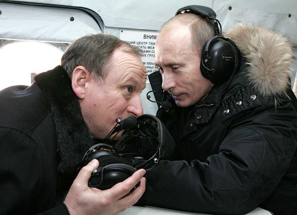 Säkerhetsrådet Nikolaj Patrusjev, här medan har arbetade inom FSB, tillsammans med Vladimir Putin.