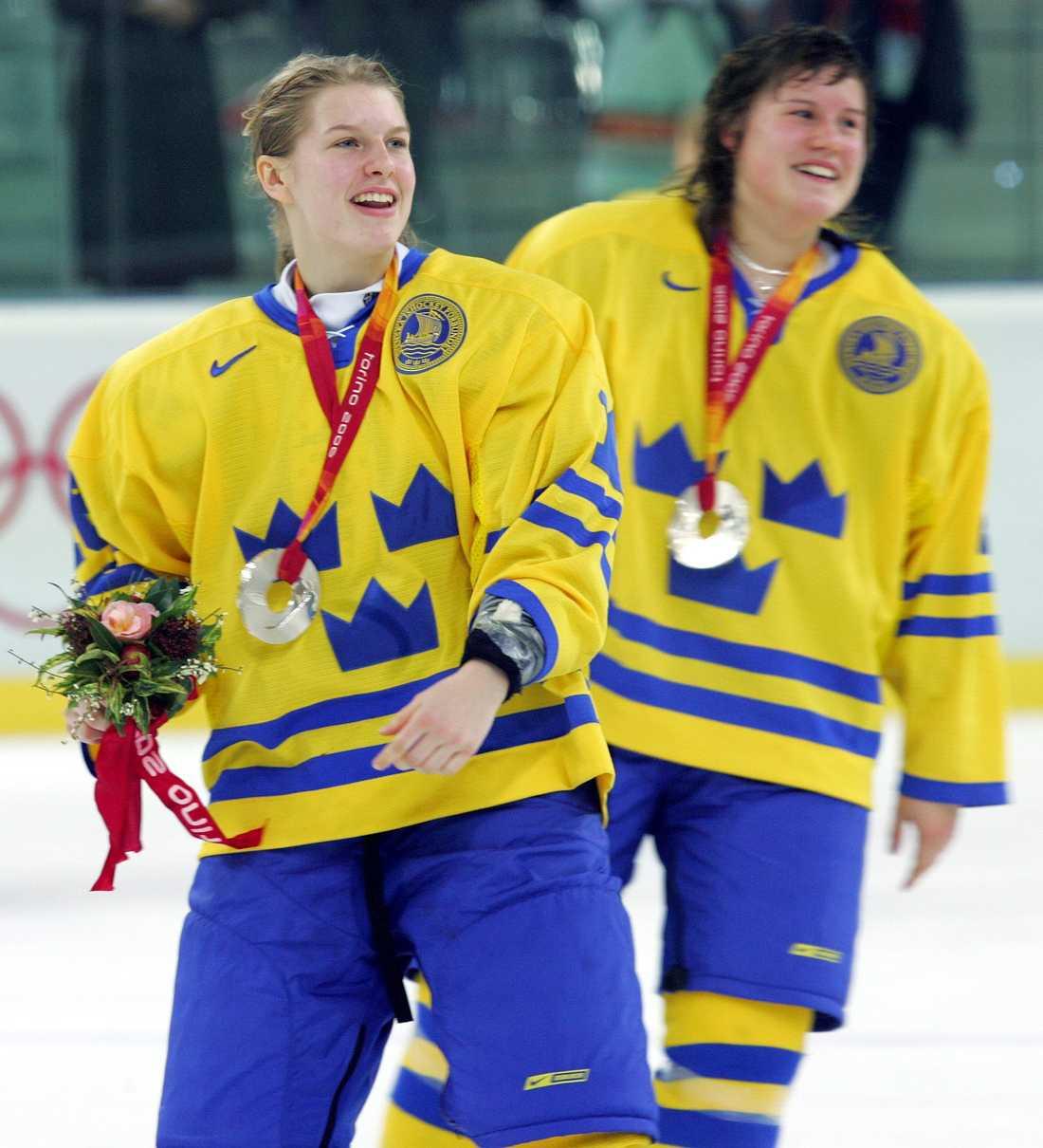 Eliasson, här till höger bakom Pernilla Winberg, tog OS-silver 2006.