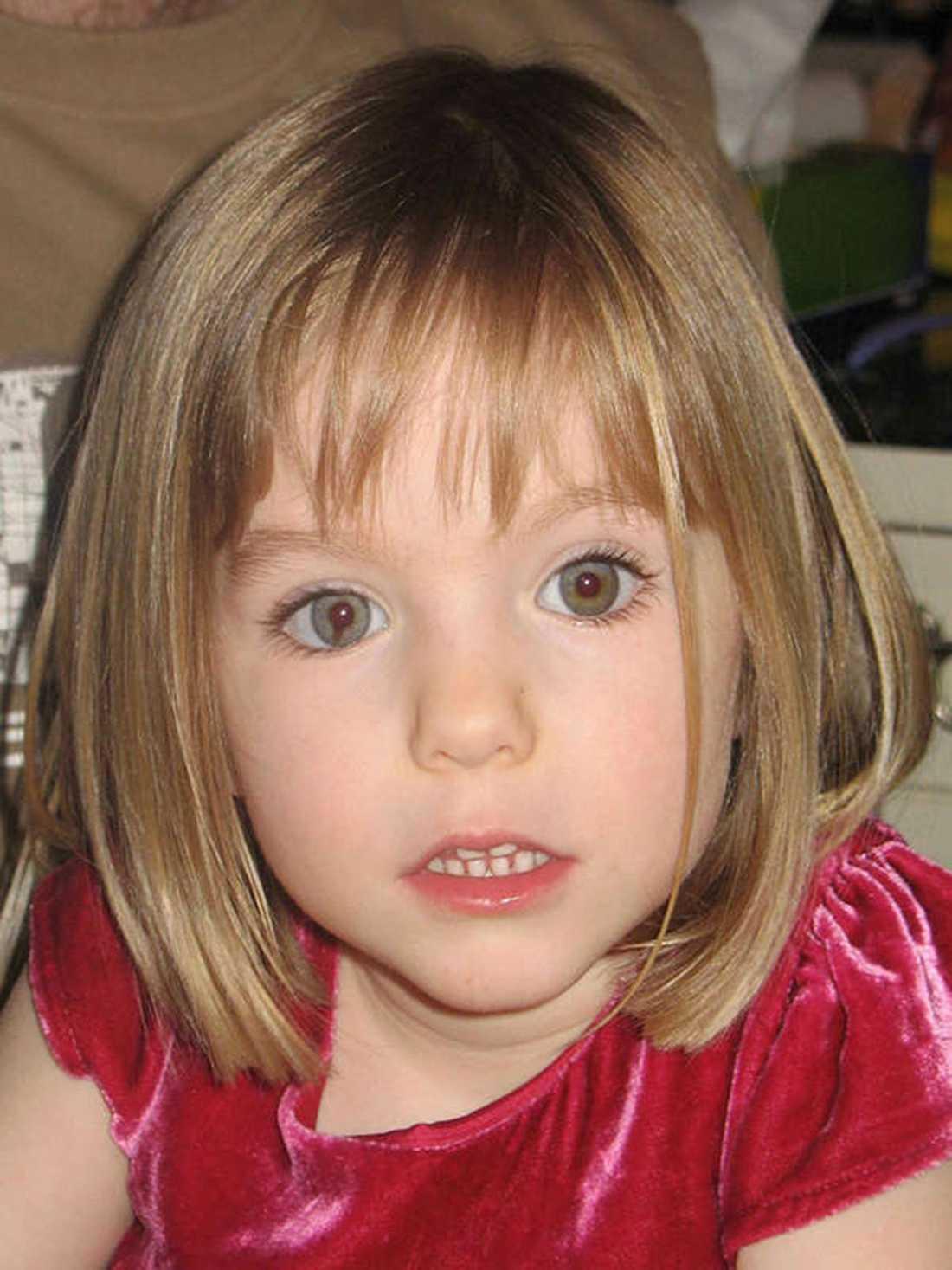 I tio år har fallet med försvunna Madeleine McCann gäckat polisen.