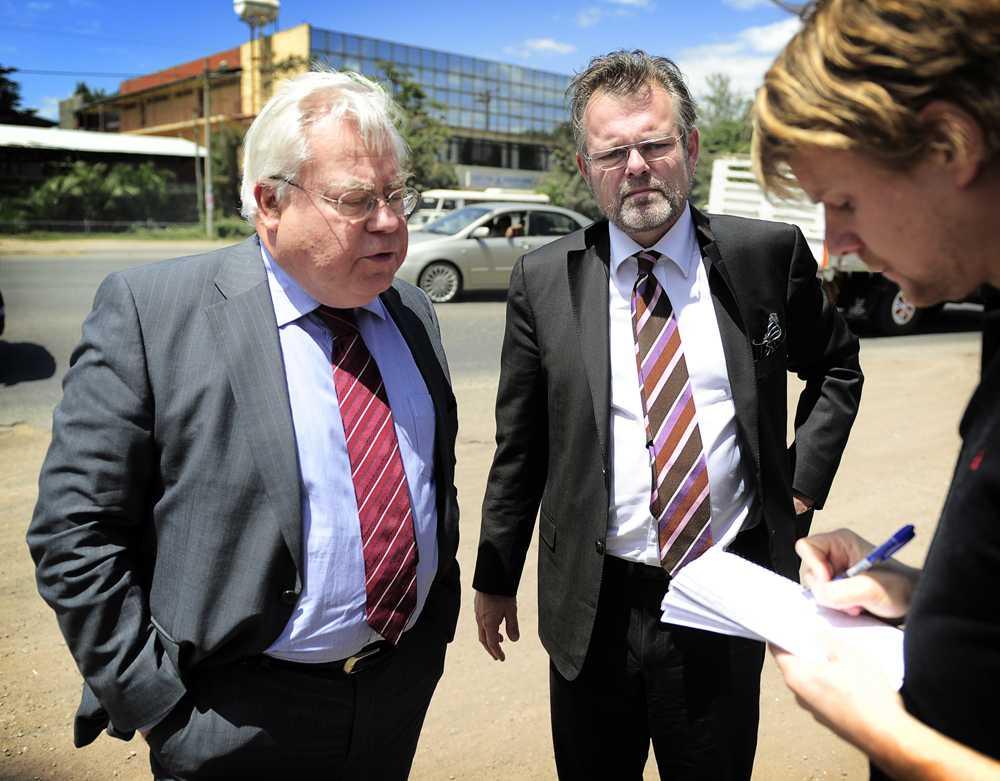 Carl-Henrik Ehrenkrona, ambassadör vid Sveriges ständiga representation vid Europarådet i Strasbourg, och Jens Odlander, dåvarande ambassadör Sverige i Etiopien, med Aftonbladets Staffan Lindberg.