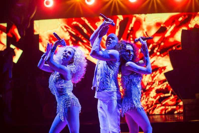 """discodivor  Alcazar firar 18 år som grupp med krogshowen """"Disco defenders"""". Showen spelas fyra gånger i veckan på Rondo i Göteborg under hela våren till och med 25 april. Foto: mats bäcker"""