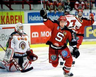 SSK-jubel Södertälje spelar i samma derbygrupp som topplagen Frölunda, HV71 och Linköping i vinter, vilket innebär att de möter de lagen oftare än de andra i elitserien. Till nästa år kan seriesystemet göras om.