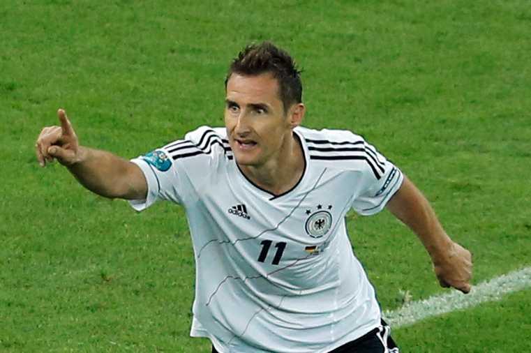 Klose missar Tysklands VM-kvalmatch mot Sverige.