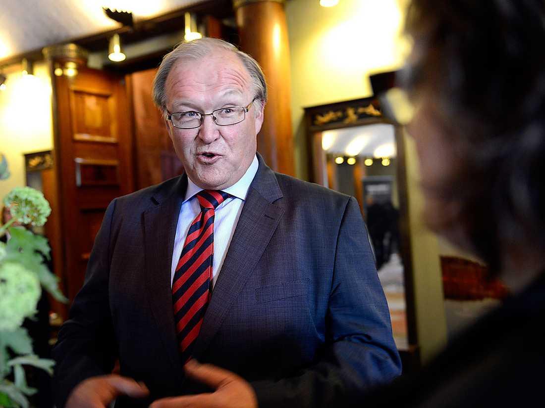 Göran Persson tog tag i Sveriges ekonomiska situation på 90-talet och började betala av statsskulden. Nu är det dags att sluta, tycker han...