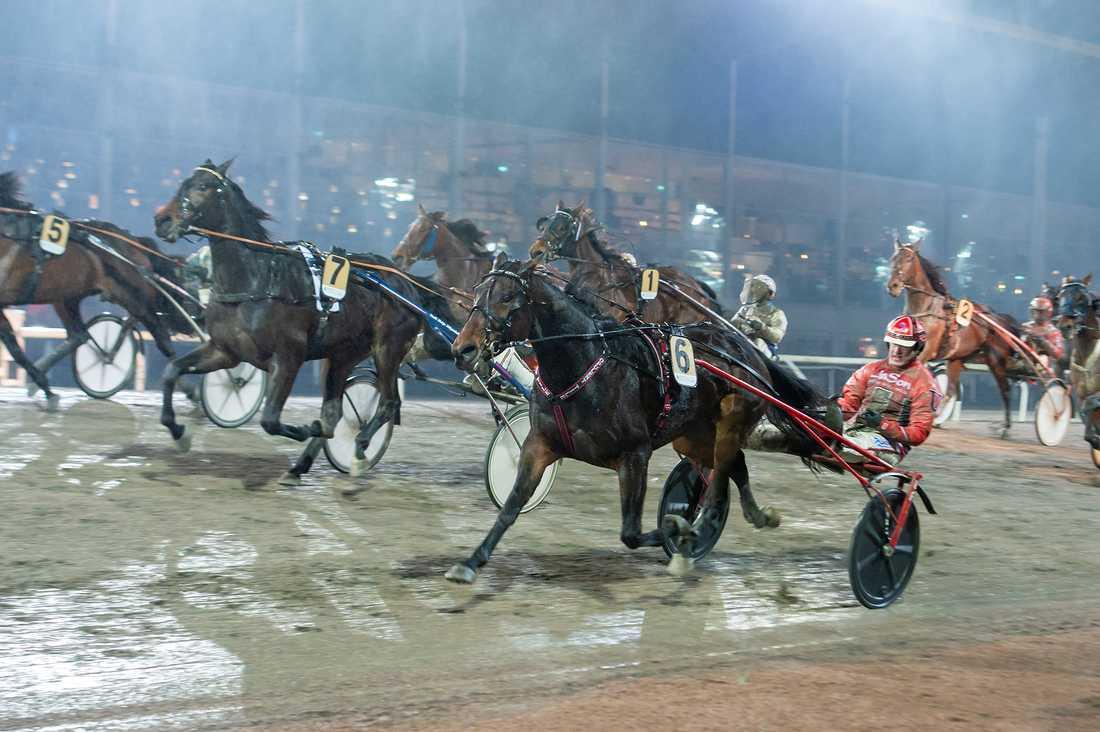 Opulent Tile och Johan Untersteiner vid lördagens seger.