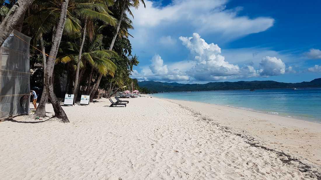 White Beach på Boracay har ett riktigt passande namn.