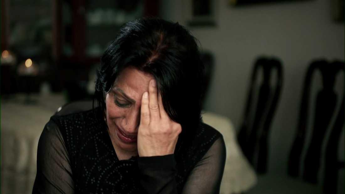 """I TV4:s """"Kalla fakta"""" berättar Shahnaz Dastpak om saknaden efter dottern Karolin Hakim."""