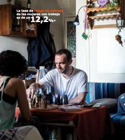 Podemos valprogram visar upp partimedlemmar i deras hemmiljöer.