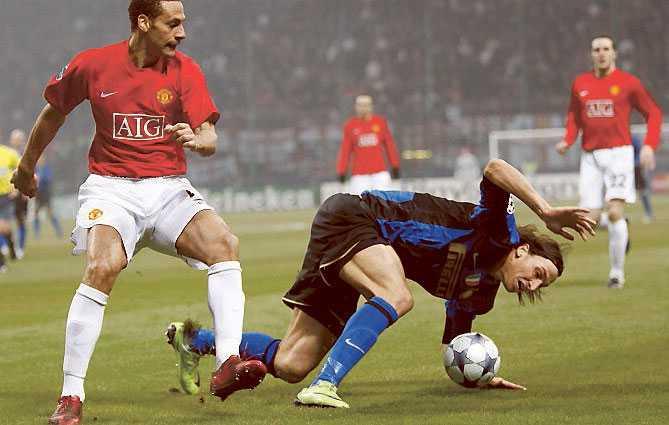 Zlatan hade en tuff kväll mot Unitedförsvaret.