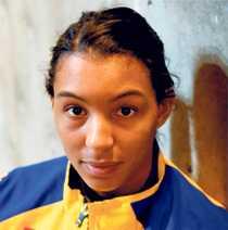 Jamina Roberts har laddat om efter Norge-bragden – i kväll väntar Frankrike och en ny tuff drabbning.