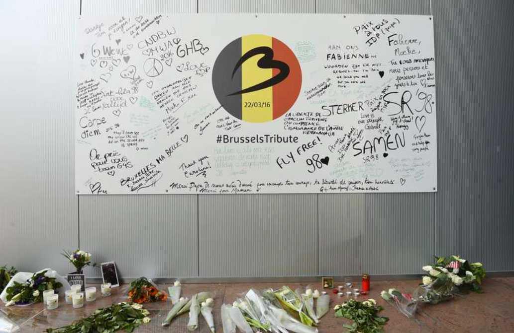 Från minnesplatsen på Bryssels flygplats efter terrordåden den 22 mars.