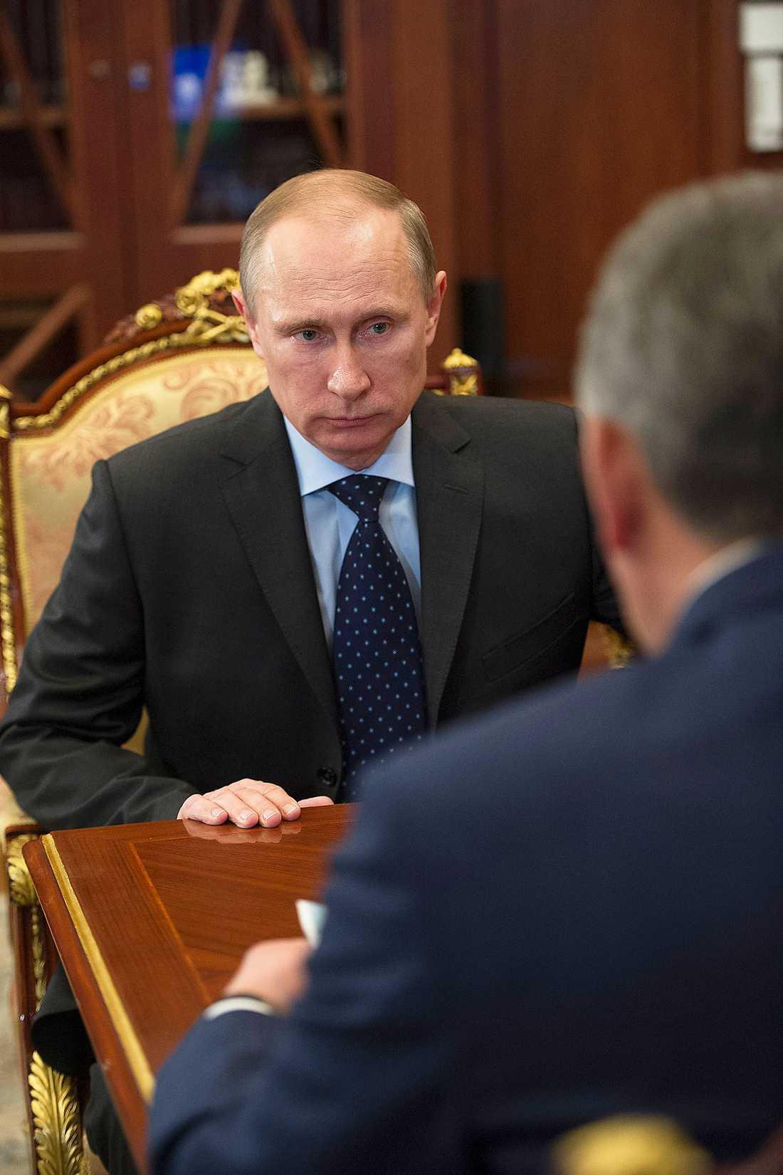 Det ligger i världens intresse av att Rysslands annektering av Ukraina inte accepteras. Eu måste markera.