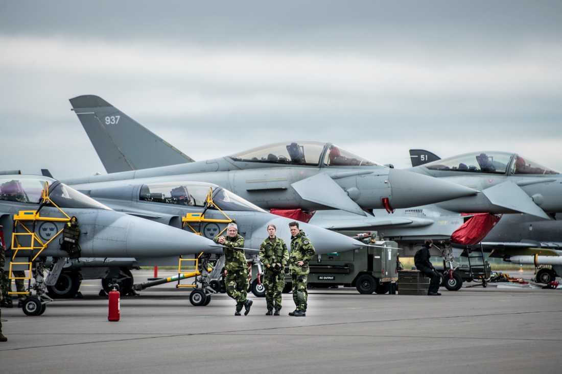 Storbritannien och Sverige har tecknat ett nytt avtal kring stridsflyget som omfattar Gripen.