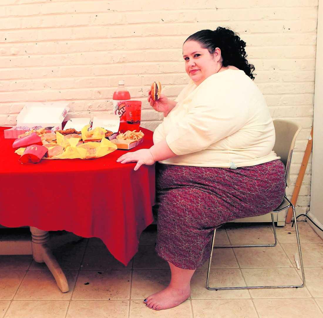 15 000 kalorier För att nå sin drömvikt stoppade Donna Simpson i sig mat motsvarande fem kilo pizza – varje dag.