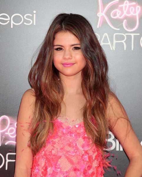 DISNEY-STJÄRNA Selena Gomez är en av Hollywoods hetaste skådisar och har varit skådespelerska sedan ung ålder.