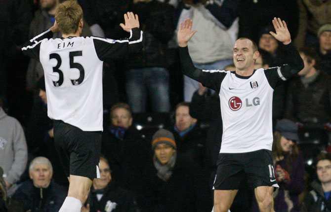 David Elm firar ett mål för Fulham 2010.
