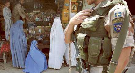 Det är inte islam och stamtraditionerna som är ansvariga för Afghanistans elände, utan Sovjet med sina lydländer och USA med sina lydstater – dit Sverige hör. Det skriver Jan Myrdal.