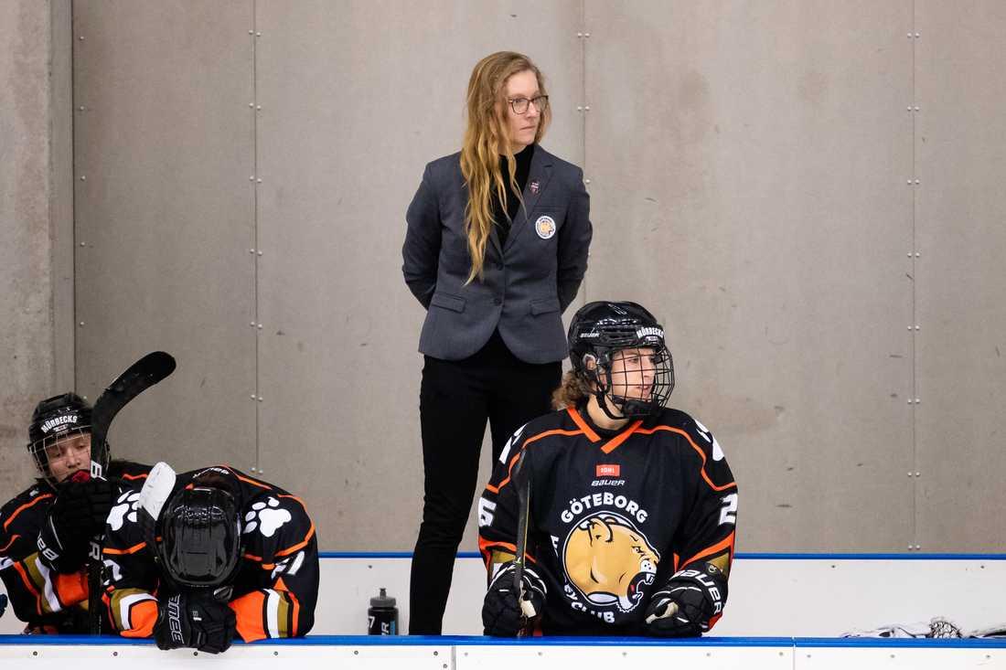 Göteborg HC:s tränare Stefanie McKeough slutar av personliga skäl.