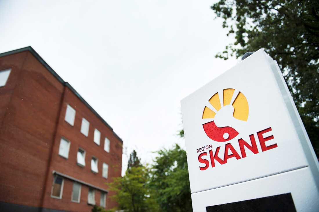 Hur stort lager av skyddsutrustning Region Skåne har vill de inte avslöja.