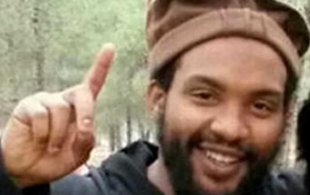 Aine Davis, langade knark innan han gick med i IS. Han sitter nu i häkte i Turkiet.