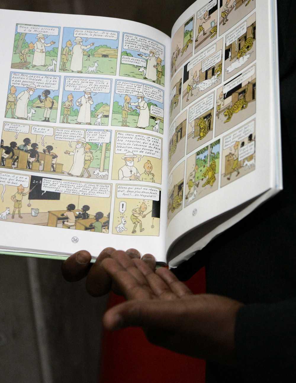 I serien framställs svarta som dumma och kolsvarta, enligt Mbutu.