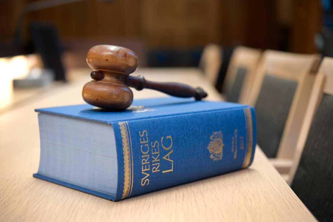 52-åringen, som tidigare varit hög chef inom svensk säkerhetstjänst, nekar till brott och överklagar tingsrättens dom till hovrätten. Arkivbild.