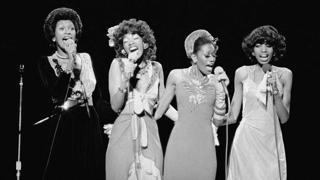 The Pointer Sisters under ett uppträdande i Phoenix 1973. Från vänster: Ruth Pointer, Anita Pointer, Bonnie Pointer och June Pointer. Arkivbild.
