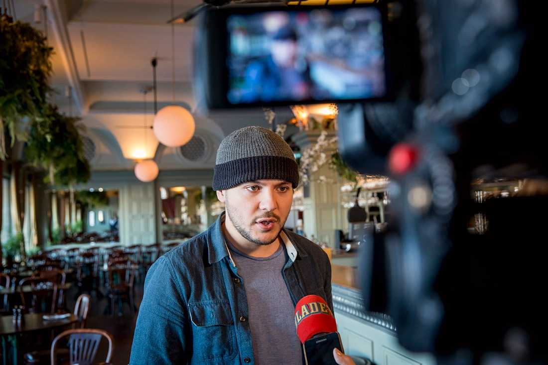 Tim Pool intervjuas av Aftonbladets Susanna Nygren.