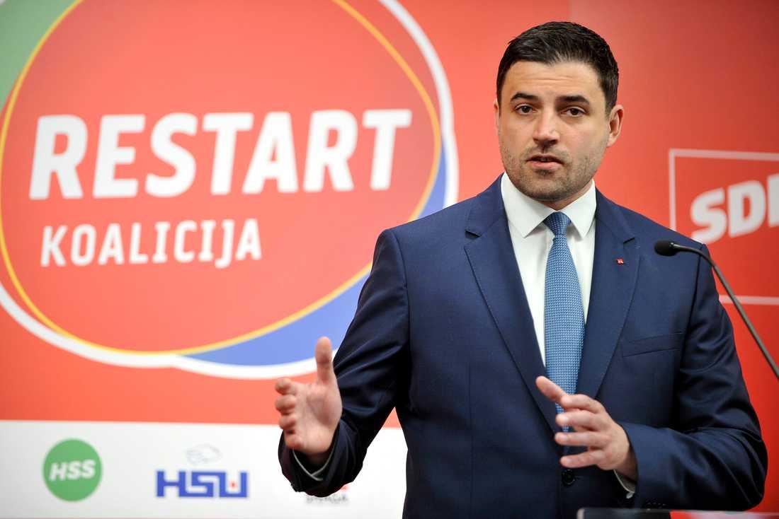 Socialdemokraternas ledare Davor Bernardic meddelar att han avgår. Arkivbild.