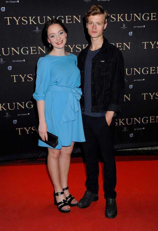 Både Edvin Endre och Amalia Holm Bjelke spelar varsin roll i premiärrullen.