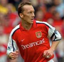 Lee Dixon vill att Arsenal säljer...