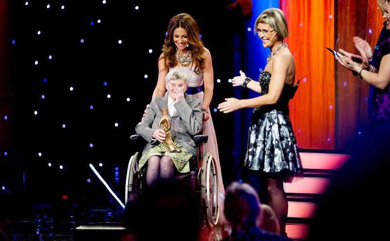 årets medmänniska När Karin Landin, 82, bröt lårbenshalsen var det Agneta Josefssons envishet som räddade henne.