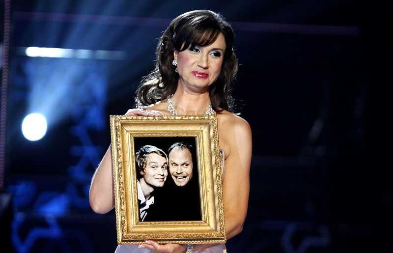 Nästan 3, 3 miljoner tittare såg Petra Mede i Melodifestivalen i lördags.