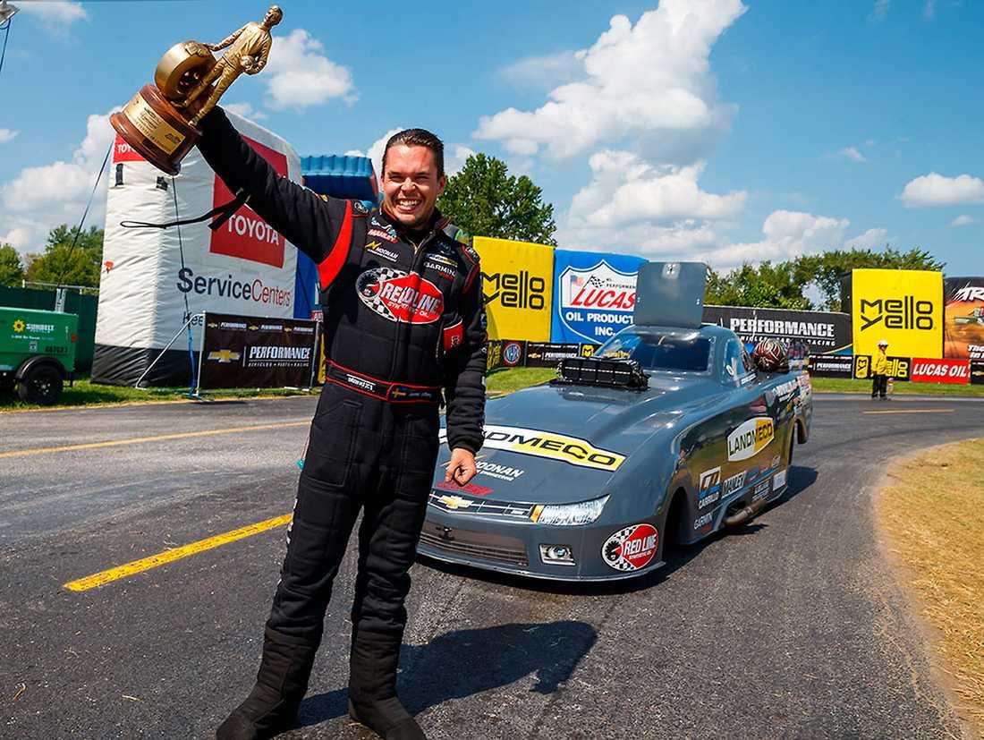 Försvarar titel  Jonnie LIndberg tog hem NHRA i klassen Top Alcohol Funny Car i USA i fjol.
